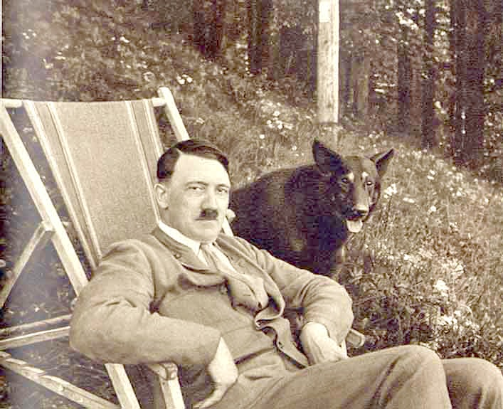 hitler_with_dog
